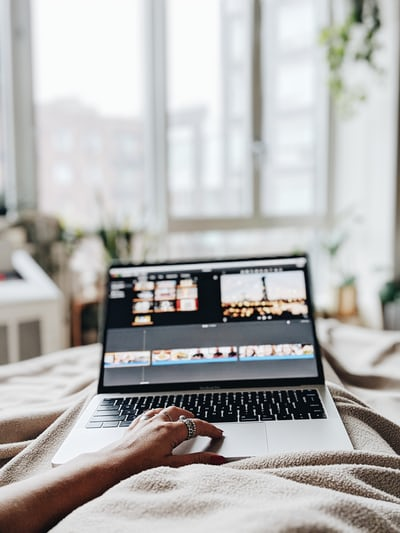 You are currently viewing 5 Ways To Becoming A Work From Home Guru
